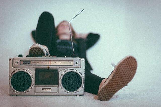radio en tu mochila de emergencia 72h